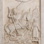 Relieve de San Jorge cortado en mármol (alguna 1985)