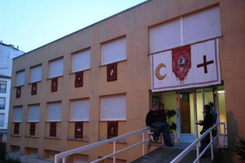 2011-04-27, Preparations for the festival of Sant Jordi