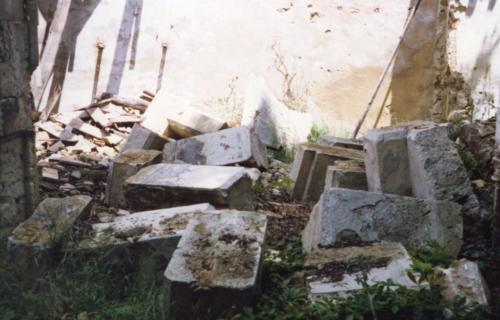 1988-05-01, Patrimoni