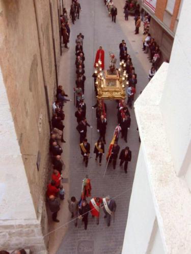 2010-04-21, Trasllat de l'ermita a l'església