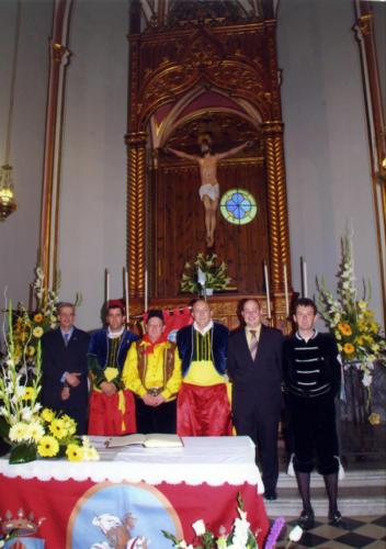 2010-04-25, Alçada de capitans al Sant Crist