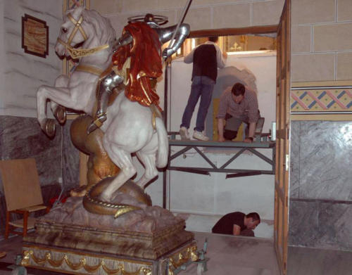 2011-04-26, Preparations for the festival of Sant Jordi
