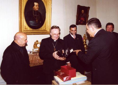 2000-10-10, Viaggio a Lourdes campana