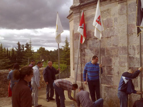 2011-04-23, Preparations for the festival of Sant Jordi