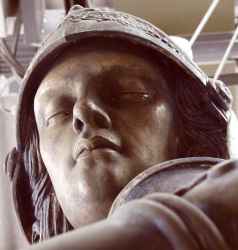 2003-02-08, Monument de Sant Jordi