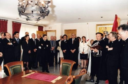 2001-04-23, Recepciones en la Sede Social