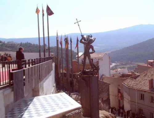 2003-03-09, Monument de Sant Jordi