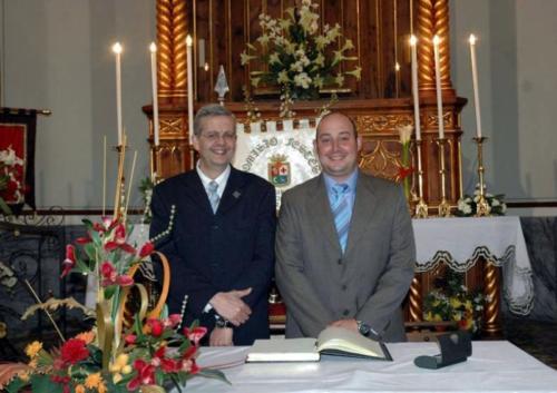 2011-05-02, La firma del libro d'oro del Santo Cristo e capitani di altezza