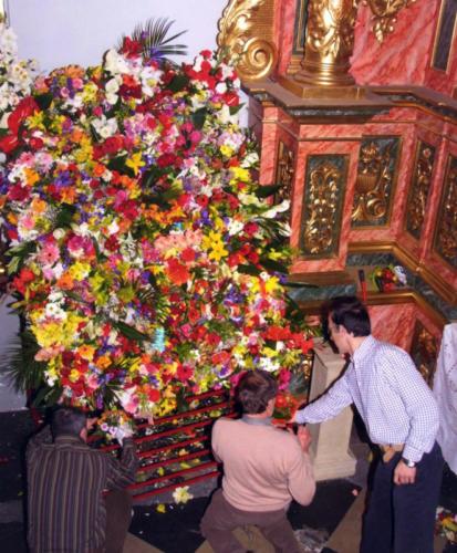 2009-04-22, Ofrenda de flores