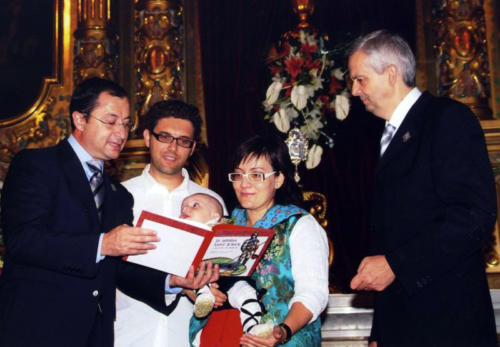 2009-09-06, Acte de lliurament del conte 'Ja arriba Sant Jordi a Banyeres de Mariola'