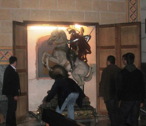 2010-04-02, Preparatius per a festes de Sant Jordi