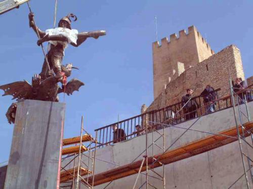 2003-03-07, Monument de Sant Jordi