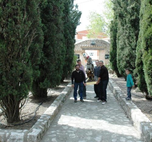 2010-04-21, Preparatirus festivities for St. George